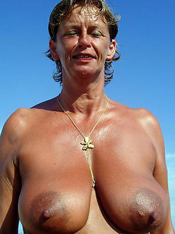 pictures of full-grown lady beach jugs