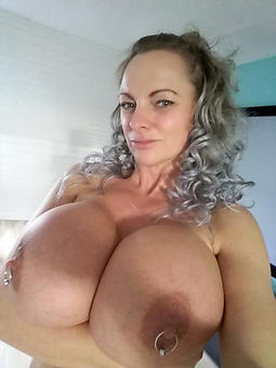 naughty mature ladies with big breasts