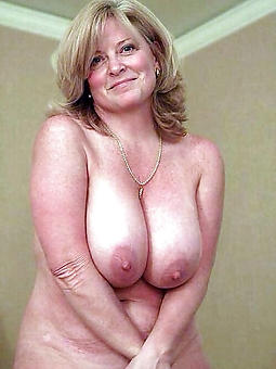 adult ladies with big breasts free nude pics