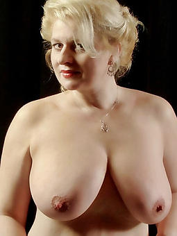 juggs mature ladies with big breasts