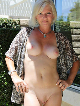 mature tow-headed cunt unconforming lovemaking pics