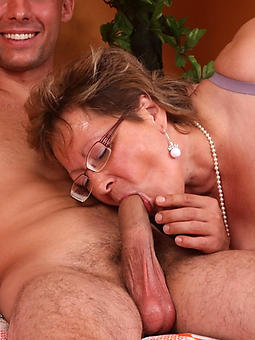 nude pictures be incumbent on mature ladies giving blowjobs