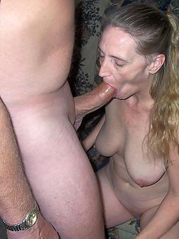 hotties mature housewife blowjob pics