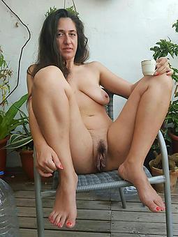 mature brunette mom seduction
