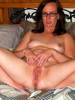 real mature brunette pussy pics