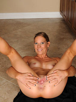 mature squirearchy hooves free porn x
