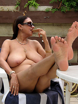 porn pictures be required of venerable lady feet