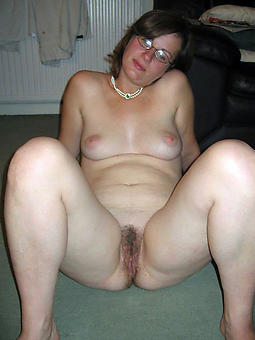 elderly lass to glasses porno