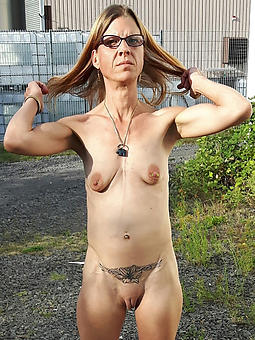 natural grandma masturbating pics