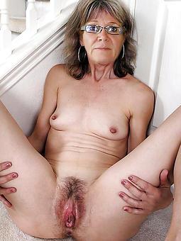 sexy nude lass granny photos