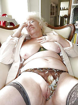 ideal naked grannie pics