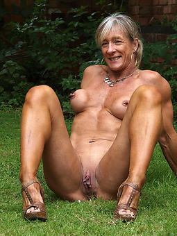 aristocracy sexy legs porno pics