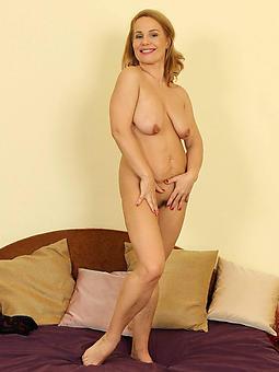 british mature mom legs porn pictures
