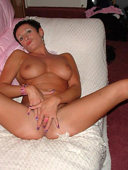 mature girls masturbating bush-leaguer porn pics