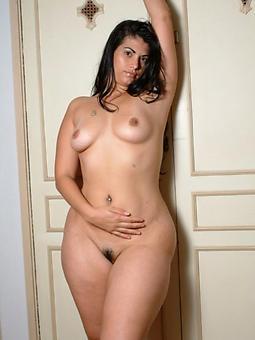mature milf natural tits unconforming nude pics
