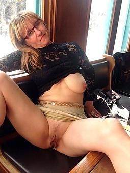amature hot pics of mature moms