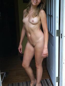 mature pussy moms free nude pics