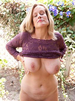 beautiful mature matriarch amateur denuded pics