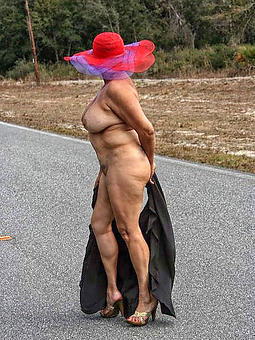nude ladies outdoors teacher