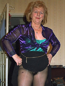 pictures of hot mature ladies in pantyhose