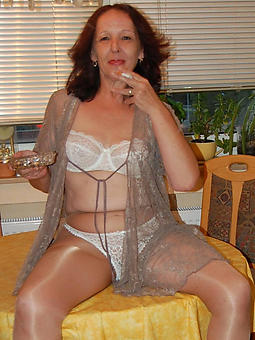 amature sexy hot matured ladies in pantyhose