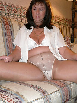 superannuated gentry in pantyhose porn pic