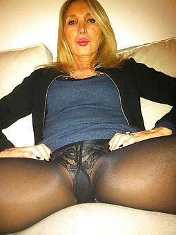 hotties pictures be useful to adult women hither pantyhose