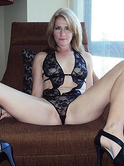 naughty elder mature wife pics