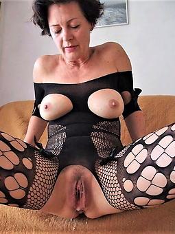 coagulated mature pussy amatuer