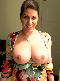 pictures of mature gentlefolk boobs