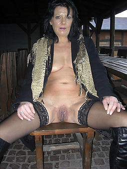 dispirited mature lady in stockings xxx pics