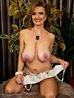 real mature women saggy tits pics