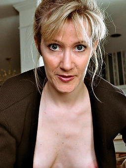 starkers pictures be required of hot mature lady selfie