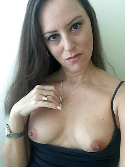 free pictures be beneficial to naked mature selfshots