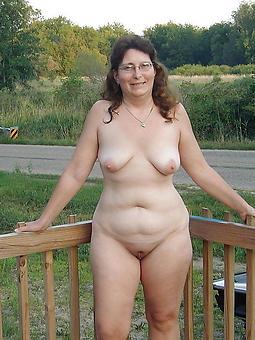 mature curvy ass seduction