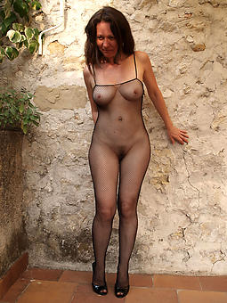 mature outdoor stripped xxx pics