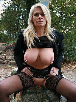 X mature babe porno