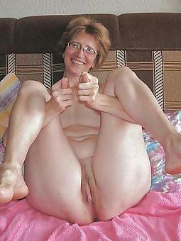 mature gentlemen feet free porn pics