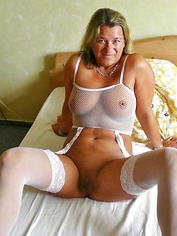 amature mom in lingerie porn
