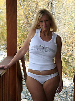 mom in underclothes amature sex pics