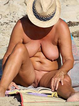 exposed beach moms amature porn
