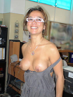 naked lady with glasses tease