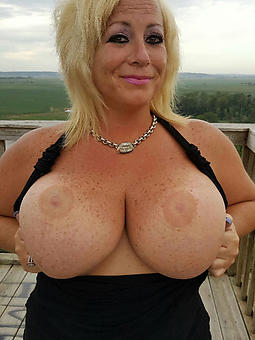 busty lady hot porn show