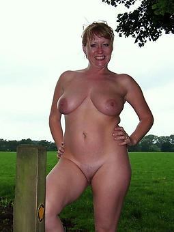 porn pictures of grown up mom pussy