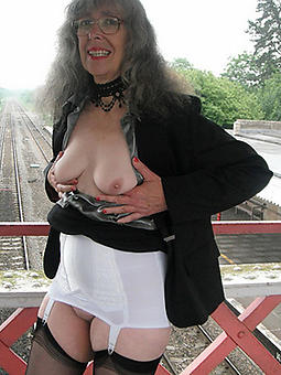 superannuated grown up granny xxx pics