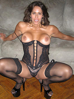 magnificent nude mature gentry porn pic