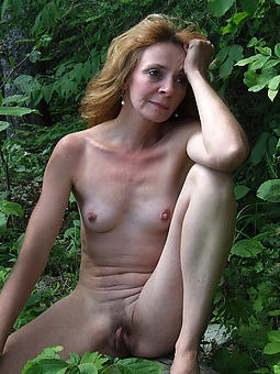 naked moms outdoors amature porn