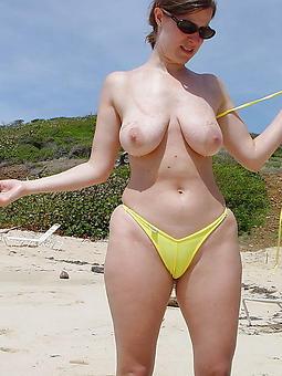 porn pictures of bikini moms