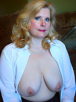 pretty nude aristocracy