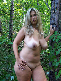 pictures of alluring mom porn